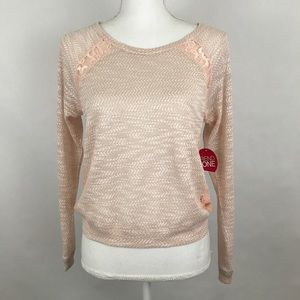Bongo Sweater Medium Peach Pull Over Thin Knit